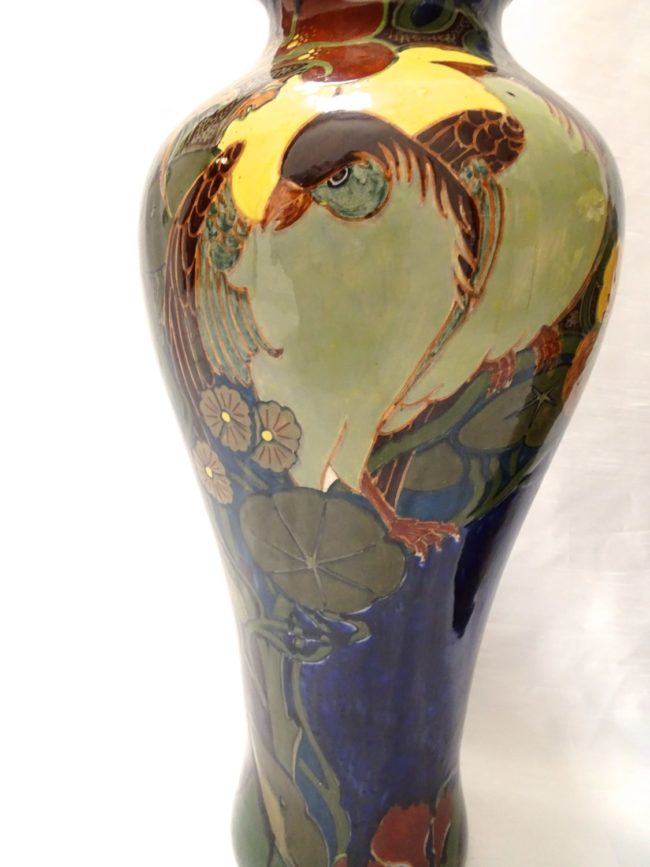 A pair of Rozenburg Art Nouveau vases - detail 2