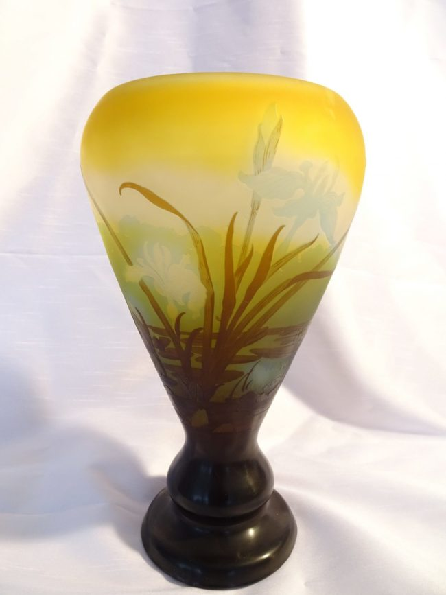 Emile Gallé - Vase with an etched decoration of water plants