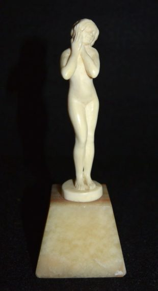 Louis Sosson - Miniature ivory cut figure